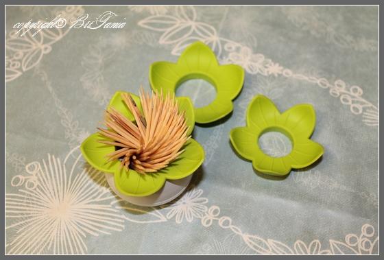 Зубочистки в виде цветка лотоса